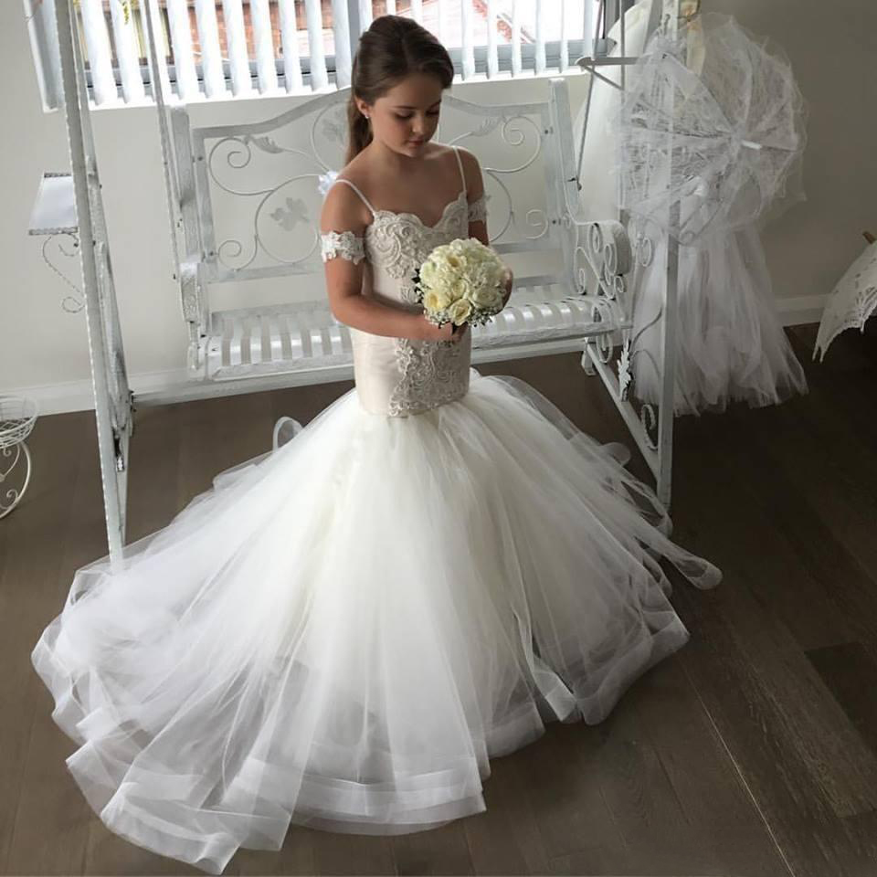 Lovely Illusion Mermaid Tulle Flower Girl Dresses Spaghetti Strap Lace Button Back Kids Pageant Dresses