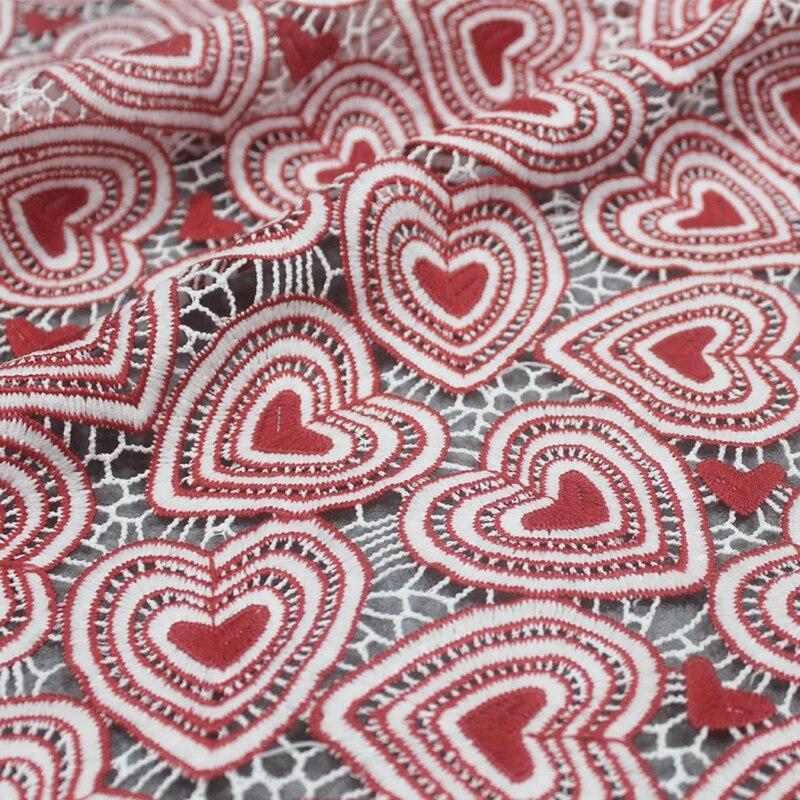 2019 Ins chaud rouge coeur dentelle broderie creux soluble dans l'eau lait soie Designer bricolage mode vêtements matériel tissu Stoffen Tela