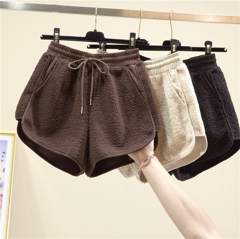 New Lamb Wool Shorts Women's Autumn Winter Outer Wear Loose Wide-Leg A-line Bottoming Casual Boots Shorts Girls Lady Warm Shorts