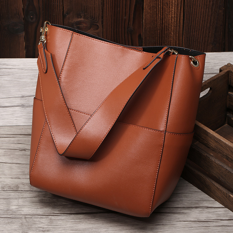 Wide Strap Bucket Bags Women Genuine Leather Large Designer Handbags Luxury Casual Tote Ladies Shoulder Messenger Bags