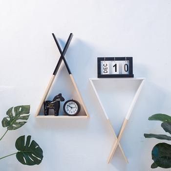Nordycki współczesny kreatywna ściana geometryczna drewniana półka sypialnia salon akcesoria do dekoracji wnętrz trwały stojak do przechowywania 1 sztuka tanie i dobre opinie Nowoczesne Drewna Do Montażu Na Ścianie 2 colors wood 48 5*32cm Modern Wall triangle