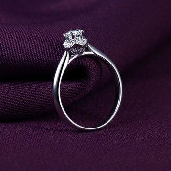 1 Karats 18k Gold And White Engagement Ring 2