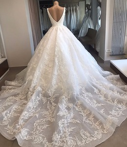 Image 2 - Custom Made Wedding Dresses  Ball Gown V neck Fluffy Lace Big Train Elegant Luxury Wedding Gowns Vestido De Noiva KW02