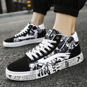 New Casual Men Vulcanized Shoes Sneakers Mens Fashion Lace-Up Colorful Canvas Sport Graffiti Board High Tops
