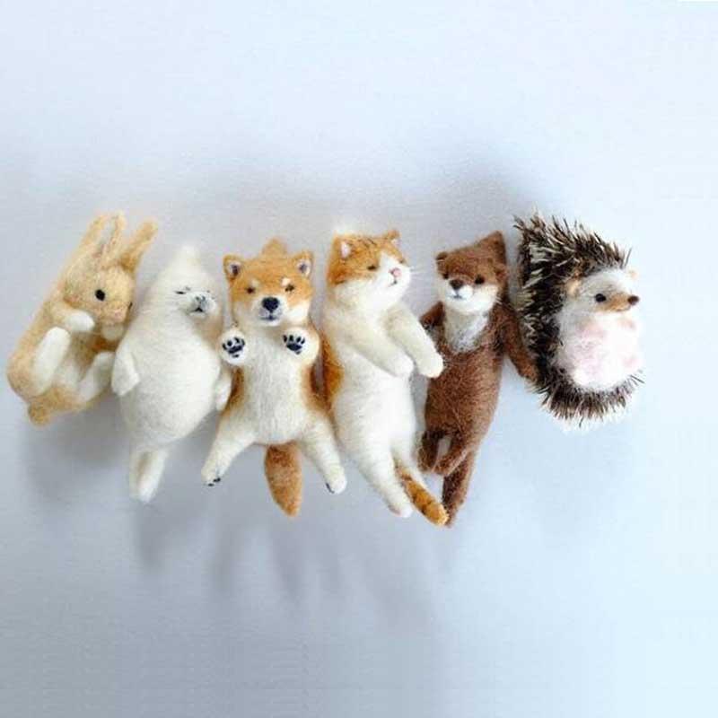 2020 Pick Up Lovely Akita Dog Cat Panda Raccoon Rabbit Animal Wool needle felting package material DIY Felted Kits Non-finished(China)