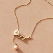Tiny Gold Initial Fashion Shell Flower Pearl Necklace Chain Choker Necklace for women Simple Charm chains Jewelry accessories stylish faux pearl flower lace necklace for women