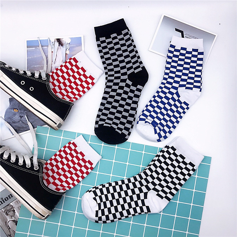Unisex Black White Checked Print Cotton Men Socks Women Middle Tube Male Happy Funny Socks Street Skateboard Hip Hop Style Soft