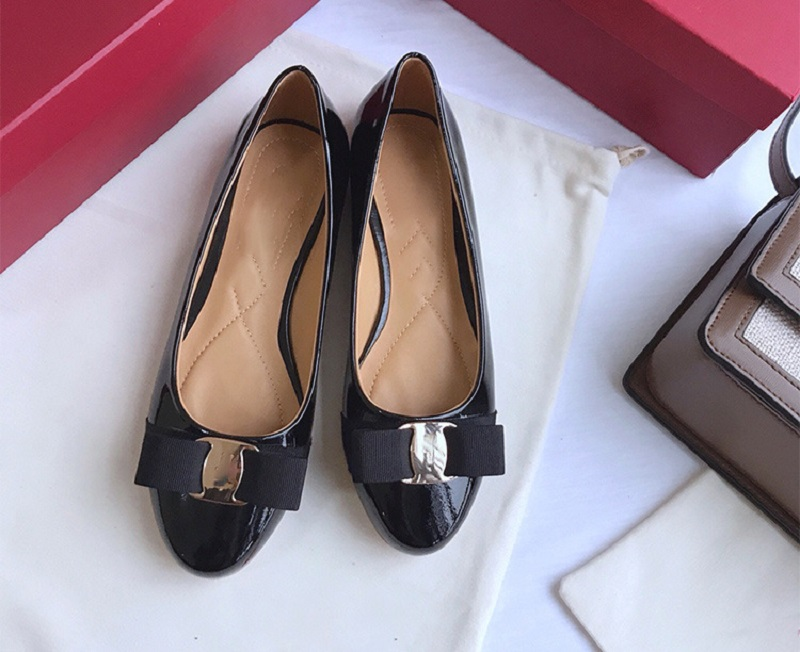 2020 Summer New Designer High Heels Shoes Women Pumps Brand Patent Leather Round Top Ladies Luxury Fashion Party Sandals Shoes