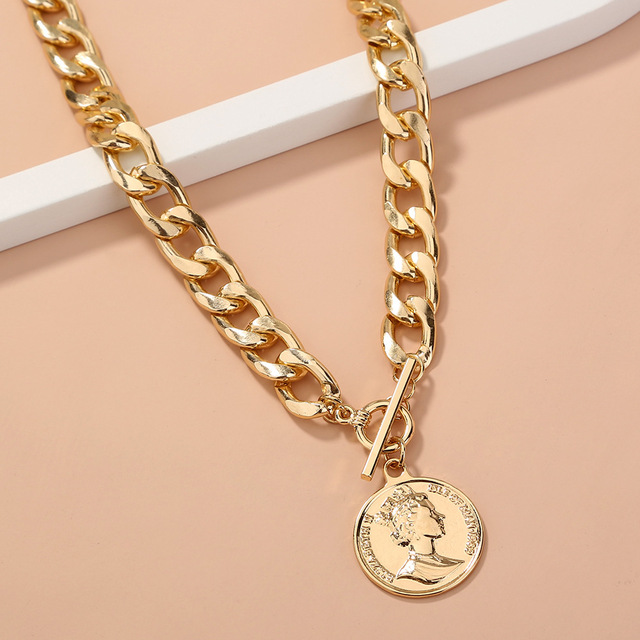 Thick and pretty chain necklace with coin pendant 3
