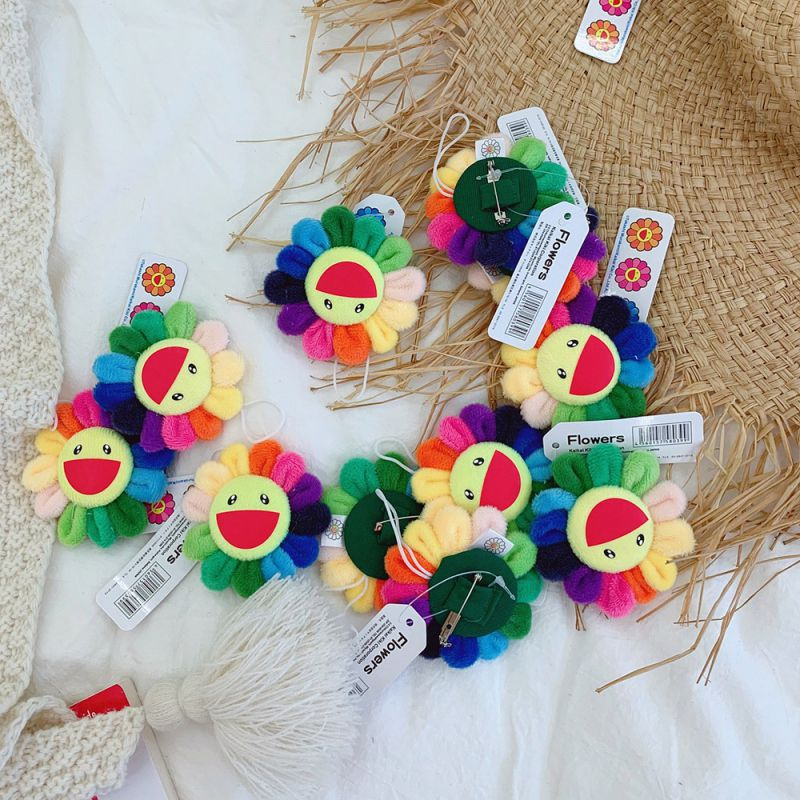 Classic Rainbow Color Sunflowers Brooch Wall Decoration Plush Cute Smile Brooch Children School Clothes Brooches Bag Accessories