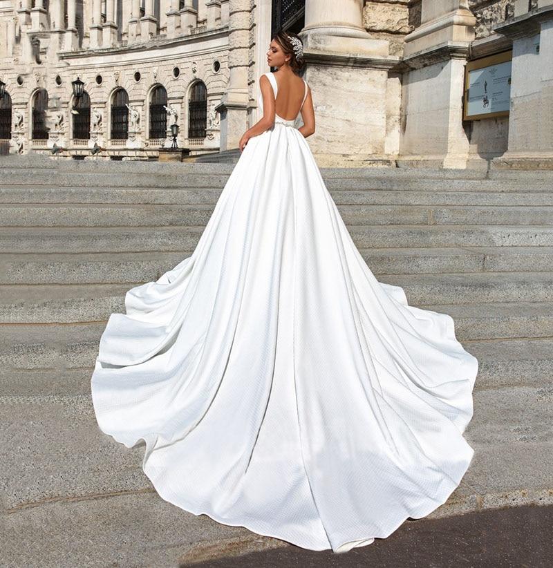 Satin Ball Gown Wedding Dress 2019 Beaded V-neck Sleeveless Backless Luxury Princess Bride Gown Vestido de Noiva (3)