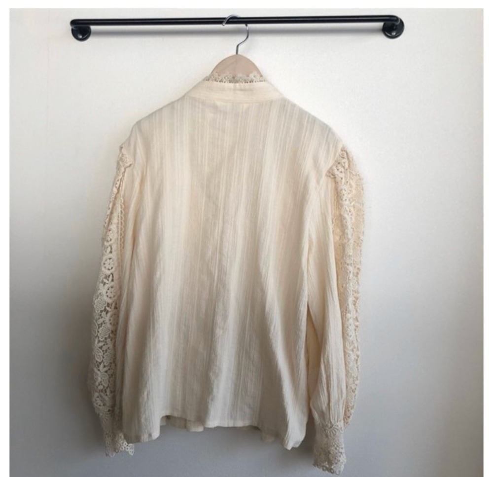 H0d77cbd2df604bdd9cf8730b9e86f6d4L - Spring / Autumn Stand Collar Long Sleeves Hollow Out Lace Blouse