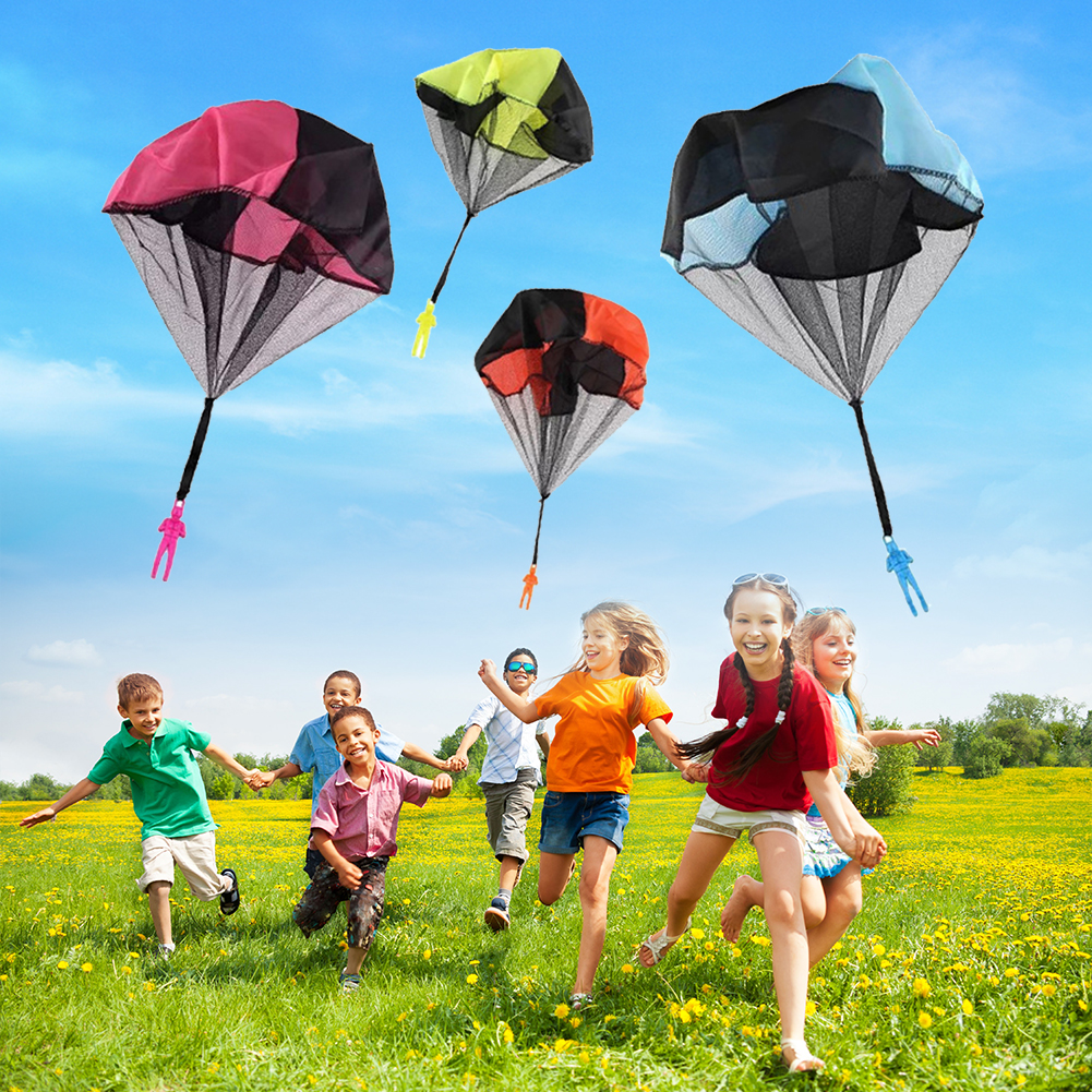 Classic Educational Assemble Toy For Kids Outdoor Fun Sports Random Hand Throwing Play Soldier Parachute Toys