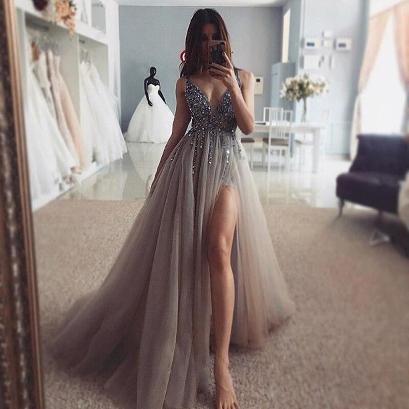 Beading Prom Dresses Long V Neck Light Gray High Split Tulle Sweep Train Sleeveless Evening Gown Vestido De Noche Con Cristal