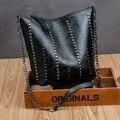 Женские сумки на плечо с заклепками, женская сумка-мешок, сумки через плечо на цепочке, Высококачественная Черная Лоскутная кожаная большая...