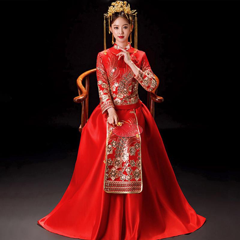 High Quality Traditional Chinese Wedding Dress Long Cheongsam Handmade Embroidery Qipao Tassel Rhinestone Retro Dressing Gown