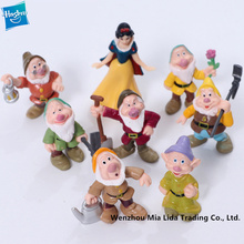 Hasbro Snow White 8pcs/set Princess and Seven Dwarfs Classic Cartoon Landscape Dolls