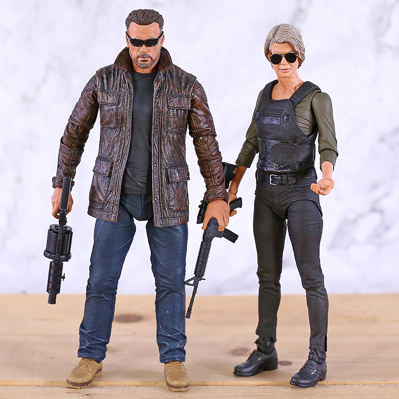 Terminator 6 Dark Fate T-800 / Sarah Conner NECA 7'' PVC Action Figure Figurine Model Toy