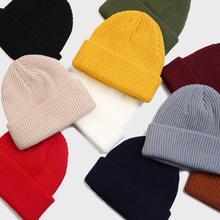 Однотонные женские и мужские шапки бини, зимние мужские и женские шапки с манжетами, мягкие однотонные шапки skullies В Стиле Хип-хоп, унисекс, теплые трикотажные шапки 10 цветов красного цвета