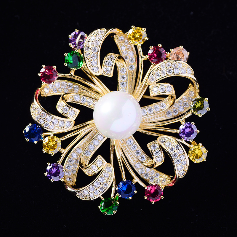 Beautiful Flowers Rhinestone Brooch Pins Vintage Crystal Wreath Brooches for Women Jewelry Scarf broche femme bijoux de luxe(China)