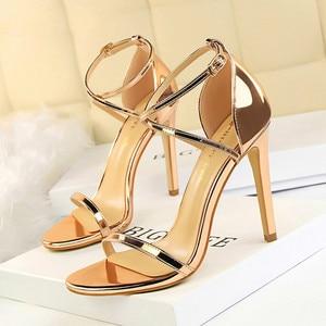 New Women Sandals Patent Leather Women High Heels Shoes Gold Sexy Women Pumps Fashion Wedding Shoes Women stiletto 698(China)