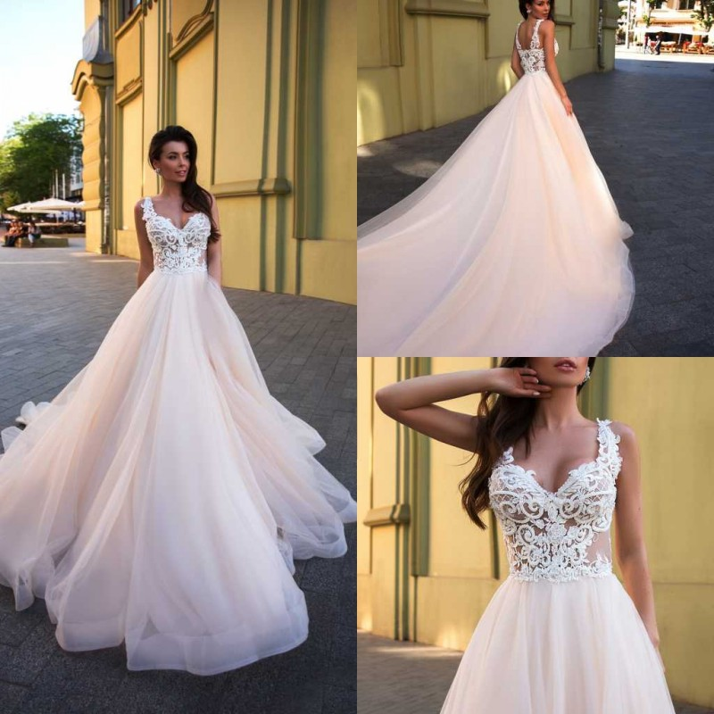2020 Designed Wedding Dresses V-Neck Sleeveless Lace Appliques Bridal Gowns Backless Sweep Train A-Line Wedding Dress