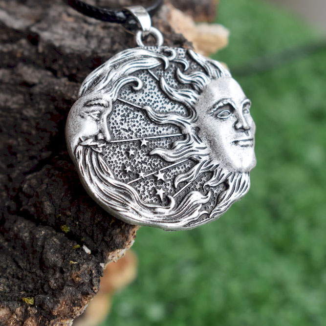 1pcs Sun And Moon And Stars Amulet necklace