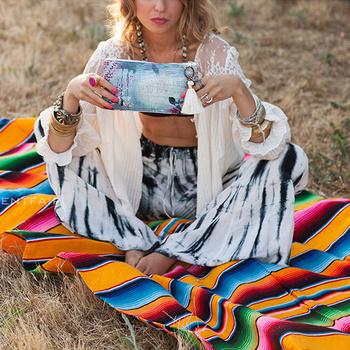 Meksykański Serape koc na zewnątrz paskiem Rainbow Beach koce mata z pomponem na łóżka podróży piknik narzuta na sofę bawełniany polar H tanie i dobre opinie Poliester bawełna Wodoodporna Anty-pilling Przenośne Nadające się do noszenia Zmniejszających palność Plaid Lato
