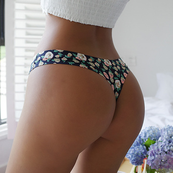 TERMEZY Women Sexy Flowers Lingerie Temptation Low-waist Panties Thong No trace Breathable Underwear Female G String Intimates 3