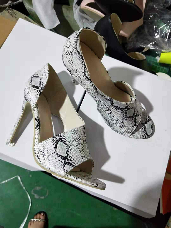 Frauen Sommer Dünne High Heels Schnalle Peep Toe Gladiator Sandalen Büro Aushöhlen Sandalen Partei Pumpen Hochzeit Damen Schuhe 69