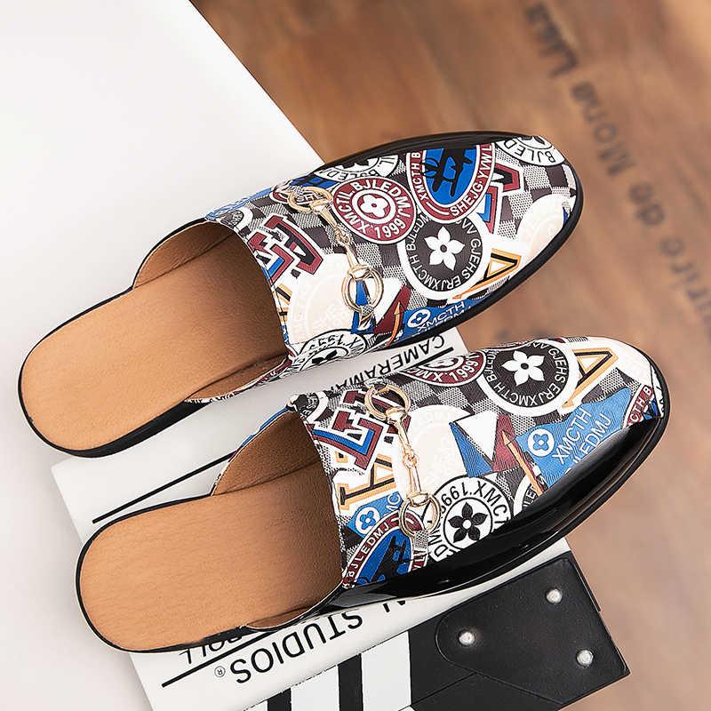 Nuevos zapatos puntiagudos de hombre, zapatillas dos zapatos casuales de personalidad, zapatos de tendencia de charol, zapatos a rayas de moda,