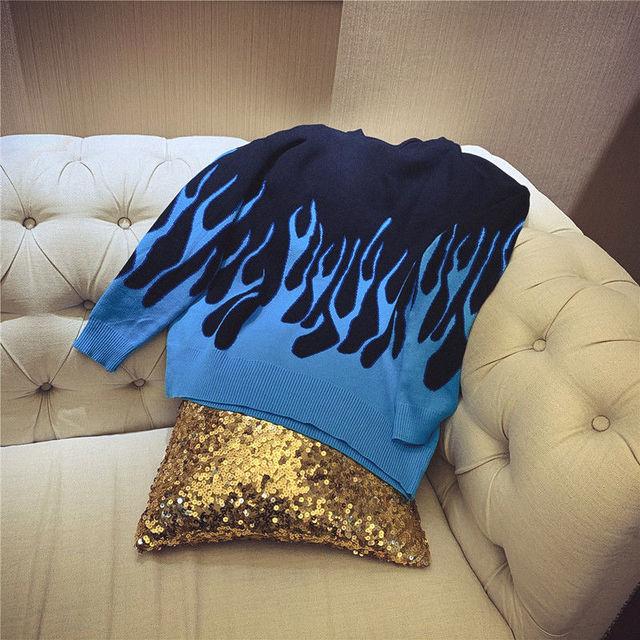 Фото осенние и зимние новые влюбленных голубого пламени свитер с цена
