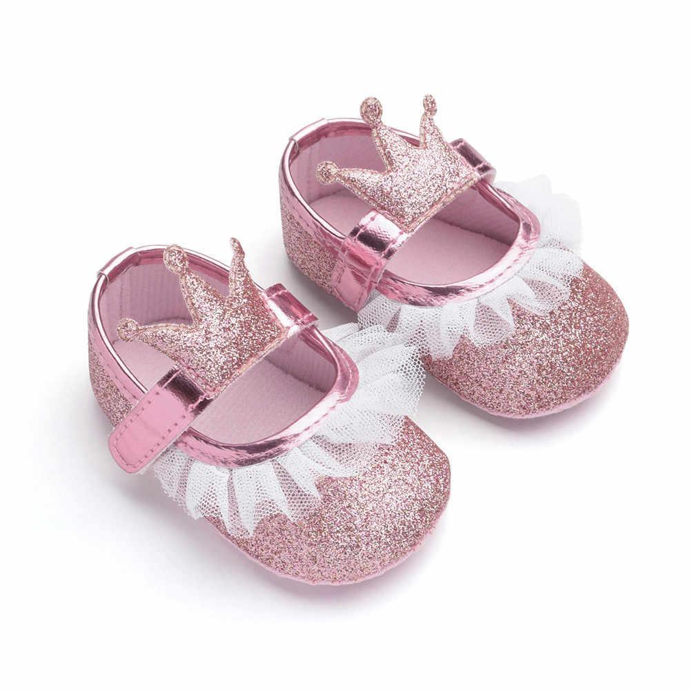 Zapatos para bebés recién nacidos, zapatos de princesa niños pequeños con corona de malla brillante, zapatos de cuna, zapatillas antideslizantes de suela blanda para primeros pasos