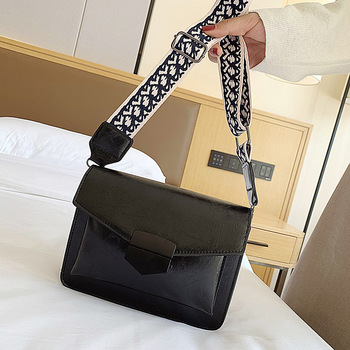 2018 new luxury women s messenger bag ladies cross body shoulder bags 3d alligator genuine leather female bag coffee color shell 2020 New Solid Color PU Leather Crossbody Bags For Women Fashion Simple Shoulder Messenger Bag Ladies Cross Body Bag