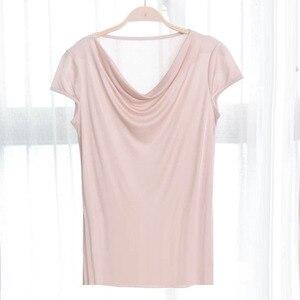 Image 1 - 비스코스 실크 혼합 탑 t 셔츠 여성 천연 실크 고품질 우아한 플러스 사이즈 짧은 루스 셔츠 여름 레이디 무료 배송