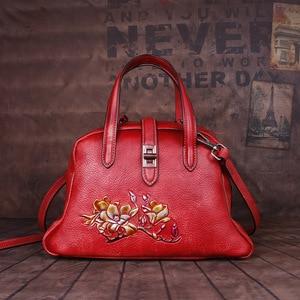Image 4 - Johnature Handmade ลายนูนกระเป๋าถือหรูผู้หญิงกระเป๋า 2019 ใหม่ของแท้หนัง Hobos Retro ดอกไม้ไหล่กระเป๋า Crossbody