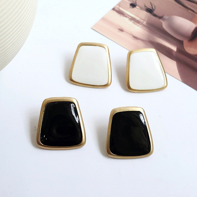 5Colors Black/White Enamel Korean Stud Earrings For Women 2019 Fashion Jewlery Simple Female Earring Oorbellen Aretes De Mujer 4
