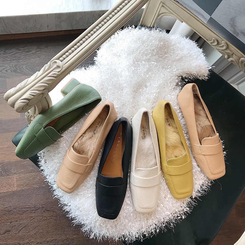 Повседневная женская обувь на платформе; сезон осень; женские мокасины с квадратным носком; Лоферы без застежки; женские Мягкие Универсальные на плоской подошве с закрытым носком