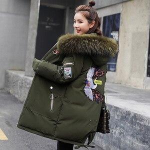 Image 2 - Luzuzi Vrouwelijke Lange Parka Plus Size Koreaanse Dikke Grote Bontkraag Vrouwen Winter Jas Losse Jas Down Katoen Overjas