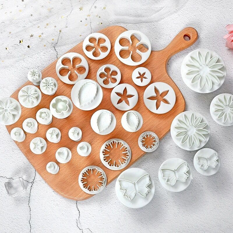 Christmas Tree Chreey <font><b>Flower</b></font> Fondant <font><b>Cake</b></font> Molds Cookies Paste Mold Sugarcraft Plunger Cutter Cupcake <font><b>Cake</b></font> <font><b>Decorating</b></font> <font><b>Tools</b></font> Set image