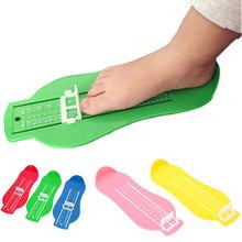 Измерительный прибор для детской стопы; измерения размера; маленьких