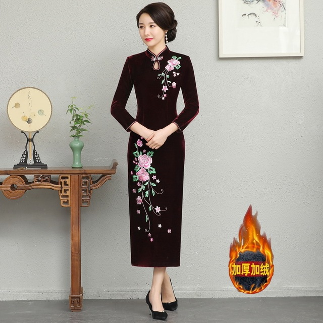 And Thickened Long Nine Sleeve Cheongsam Dress Improved Retro Mother Velvet Cheongsam Embroidery Autumn And Winter 2020