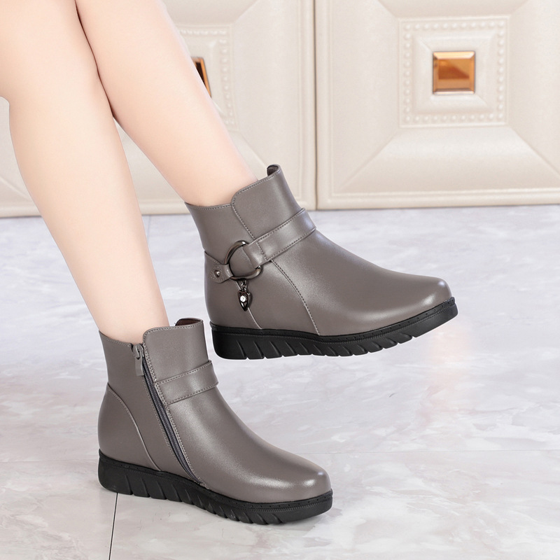 Winter Mom Old Man Cotton-padded Shoes Warm Plus Velvet Leather Shoes Wool Short Boots Women's Middle-aged Large Size Flat Anti-