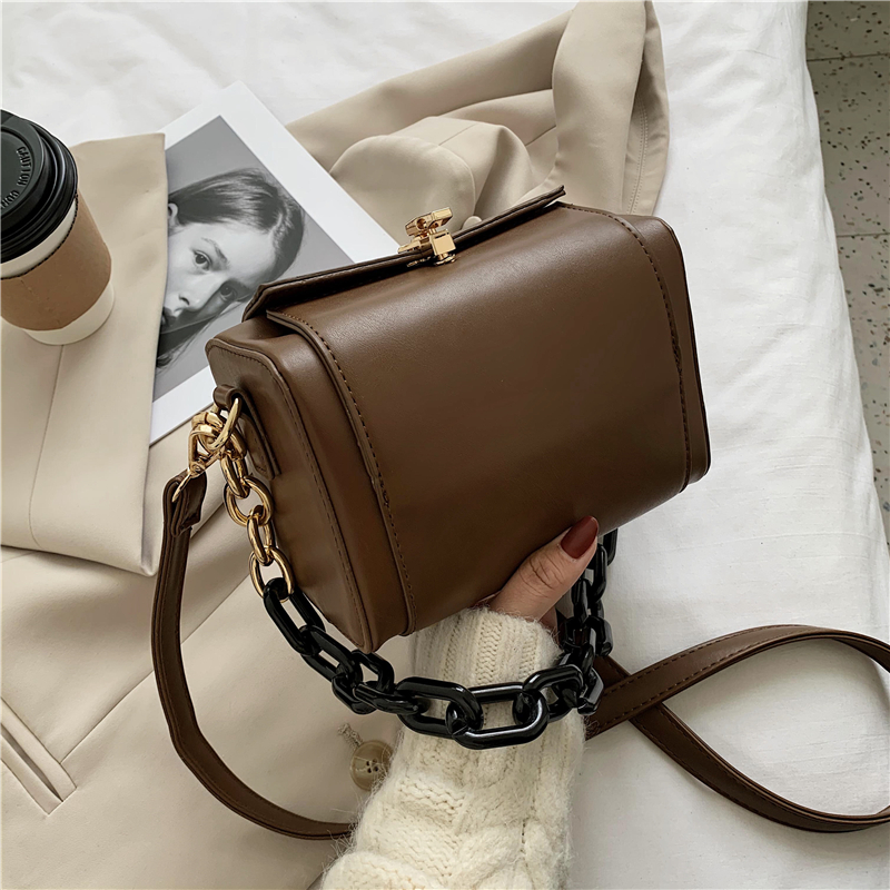 2020 New In сумка через плечо для Для женщин шикарный модный с цепью на одно плечо кошельки и Сумки Мода дизайнерские квадратный клатч|Сумки с ручками| | АлиЭкспресс - Аналоги сумок с показов мод осень-зима 2020/21