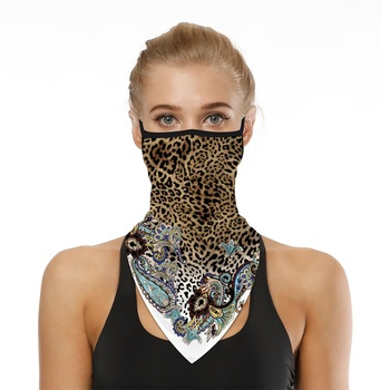 2020 Leopard Print Triangle Face Mask Men Women Breathable Balaclava Bandana Scarf Reusable Scarves Hanging Ear Half Face Shield new design triangle headband neck head scarves ear cover face shield scarf breathable bandana half face guard men women