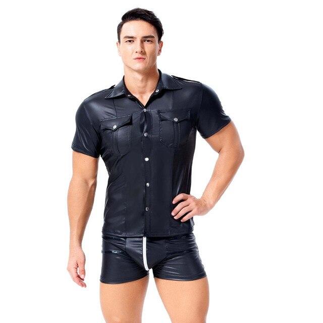 Mężczyźni PU Faux skóra Moto koszulki z krótkim rękawem gorąca Sexy Wetlook Fitness lateksowe topy Gay koszule męskie etapie koszula Casual Party clubwear kostiumy