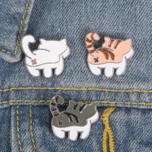 Cute Cat Butt Pins Black White Orange Cat Brooches Tabby cat Lapel pins Kitty Badges Gift for cat lover(China)