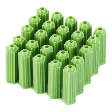 100pcs Green expansion anchor diameters of 6mm-8mm are used on the wall fix with screws