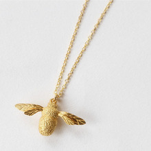 salircon geometric scallop chain necklace charming rhinestone transport new pendant necklace gold silver alloy women jewelry S925 Sterling Silver Necklace With Fashionable Bee Pendant New Clavicle Chain Cute Silver Jewelry For Charming Women Necklace