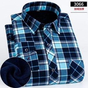 Image 2 - 2019 Inverno Plus size 5XL 6XL 7XL 8XL Tenere In Caldo Plaid di Affari Casual Camicia di Spessore Degli Uomini Con Fluff Moda termico Padre Vestiti